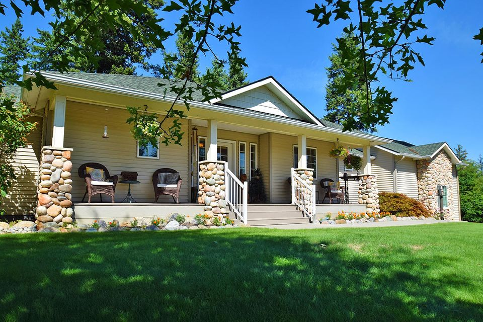 Single Family Home for Sale at 19150 W RICE Avenue 19150 W RICE Avenue Hauser, Idaho 83854 United States