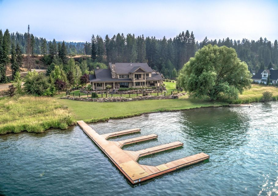 Single Family Home for Sale at 584 S HIDDEN ISLAND Lane 584 S HIDDEN ISLAND Lane Coeur D Alene, Idaho 83814 United States