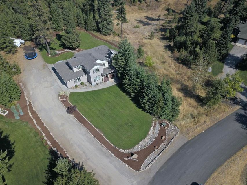 Single Family Home for Sale at 19282 W RICE Avenue 19282 W RICE Avenue Hauser, Idaho 83854 United States