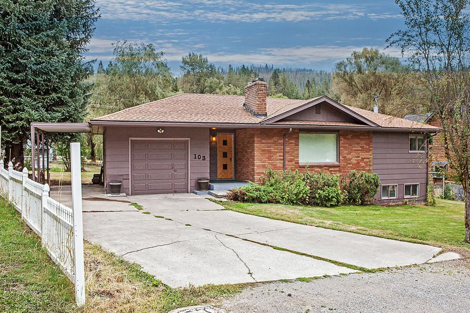 Single Family Home for Sale at 103 Greenview Terrace 103 Greenview Terrace Pinehurst, Idaho 83850 United States