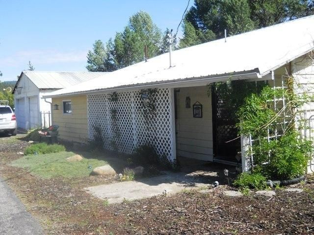 Single Family Home for Sale at 11128 N 4TH Street 11128 N 4TH Street Hauser, Idaho 83854 United States