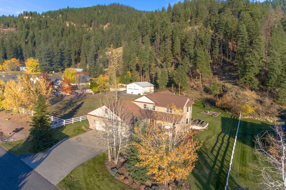 Single Family Home for Sale at 6088 N 18TH Street 6088 N 18TH Street Dalton Gardens, Idaho 83815 United States