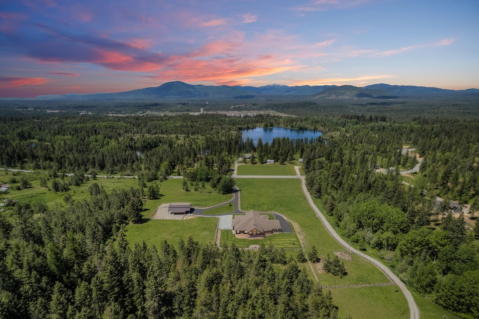 Single Family Home for Sale at 21776 N RIMROCK Road 21776 N RIMROCK Road Hayden, Idaho 83835 United States