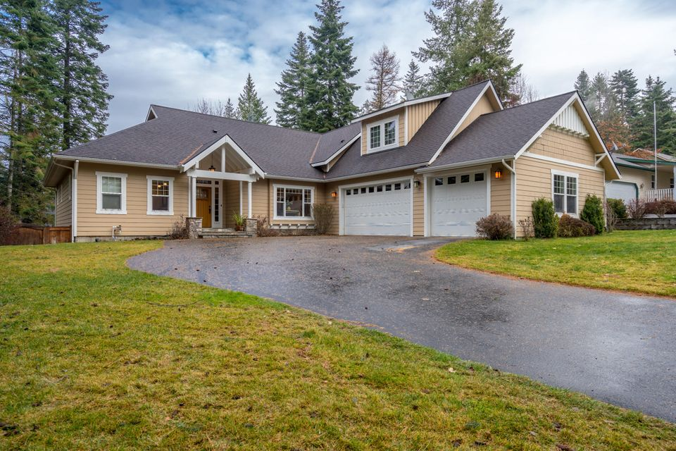 Single Family Home for Sale at 2859 E Point Hayden Drive 2859 E Point Hayden Drive Hayden Lake, Idaho 83835 United States