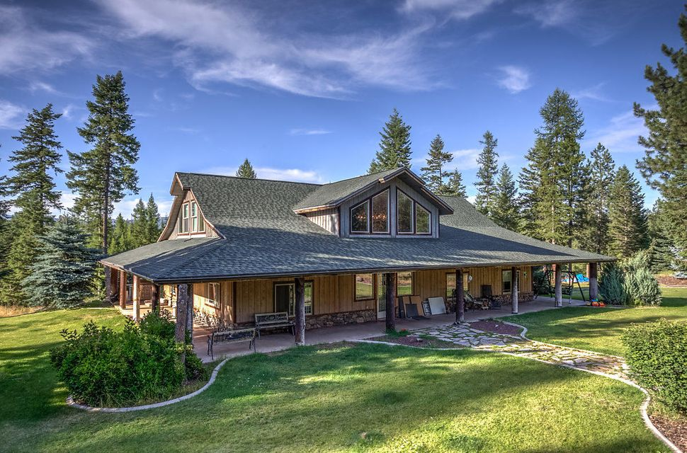Single Family Home for Sale at 945 Sleepy Hollow 945 Sleepy Hollow Oldtown, Idaho 83822 United States