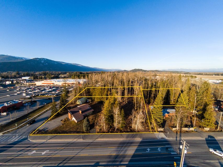 Commercial for Sale at 810 Kootenai Cut Off 810 Kootenai Cut Off Ponderay, Idaho 83852 United States