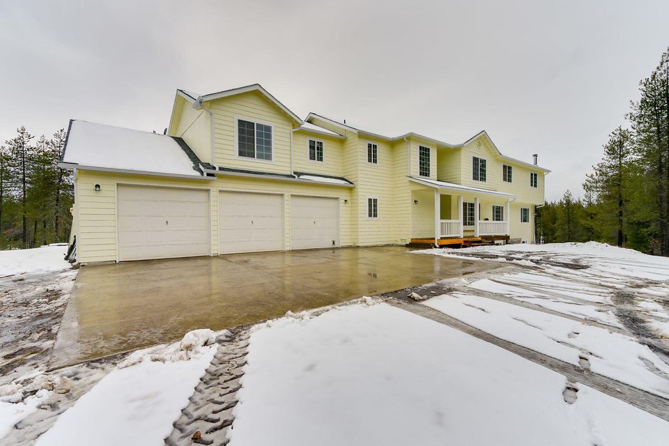 Single Family Home for Sale at 34065 N HAYDEN Drive 34065 N HAYDEN Drive Spirit Lake, Idaho 83869 United States