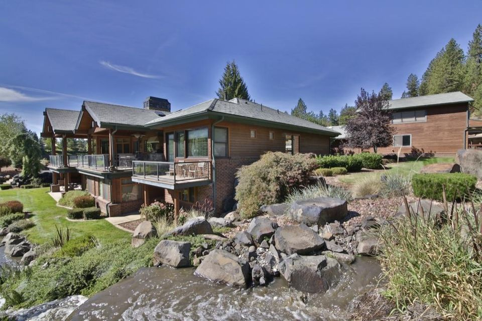 Single Family Home for Sale at 7500 N MULHOLLAND Drive 7500 N MULHOLLAND Drive Dalton Gardens, Idaho 83815 United States