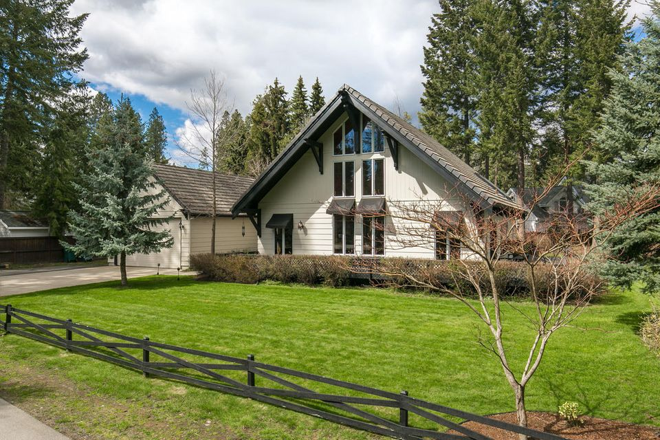 Single Family Home for Sale at 1719 E Finch Road 1719 E Finch Road Hayden Lake, Idaho 83835 United States