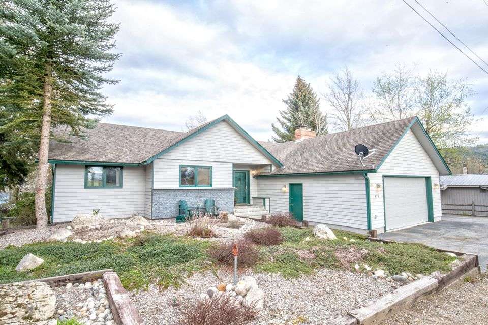 Single Family Home for Sale at 475 Campbell Point Road 475 Campbell Point Road Laclede, Idaho 83841 United States