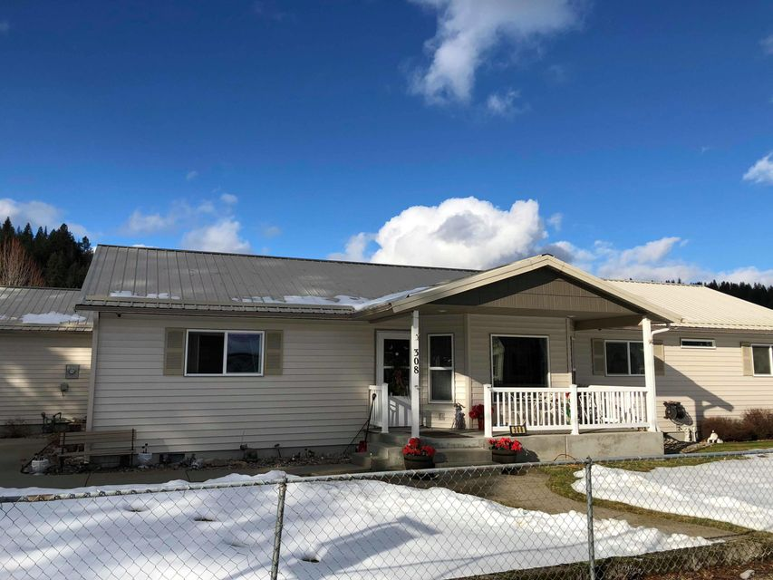 Single Family Home for Sale at 308 5th Street 308 5th Street Pinehurst, Idaho 83850 United States