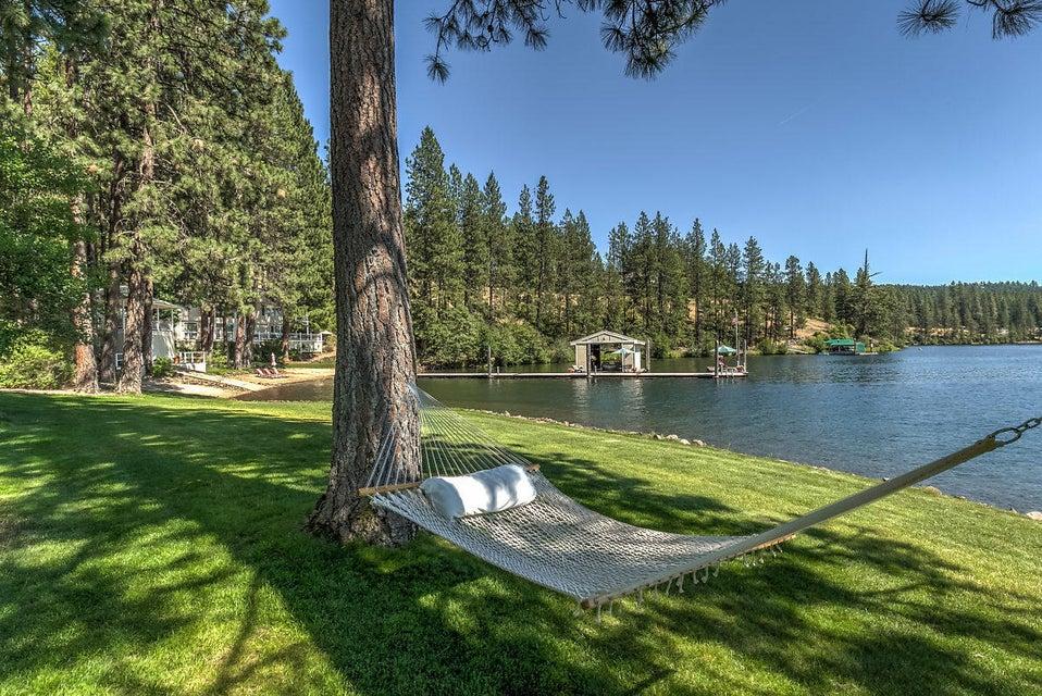 Single Family Home for Sale at 6382 S LAKESIDE Drive 6382 S LAKESIDE Drive Harrison, Idaho 83833 United States