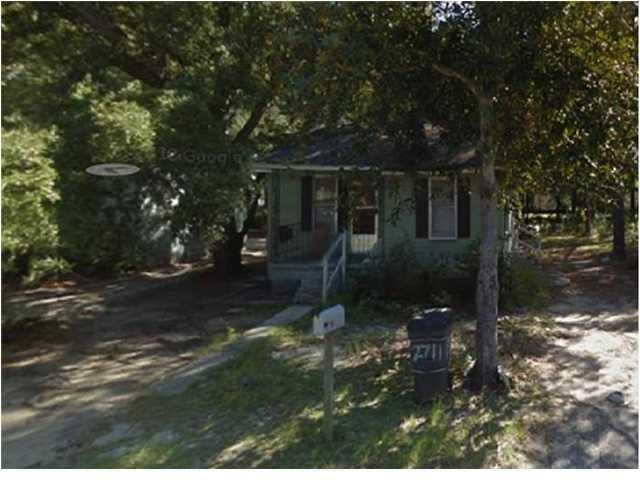 2711 E Surrey Drive North Charleston, SC 29405