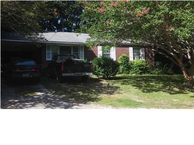 2814  Peacock Avenue North Charleston, SC 29405