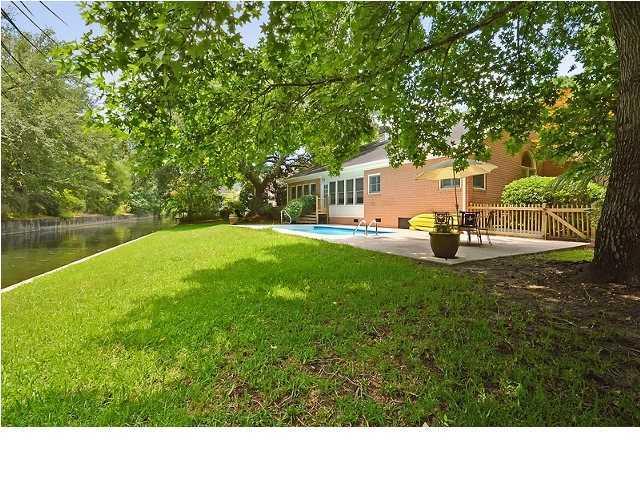 1221  Hidden Lakes Drive Mount Pleasant, SC 29464