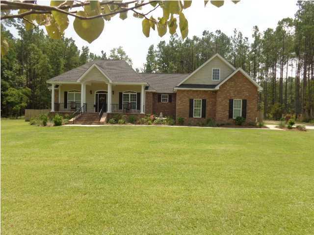419  Oak Creek Court Bonneau, SC 29431