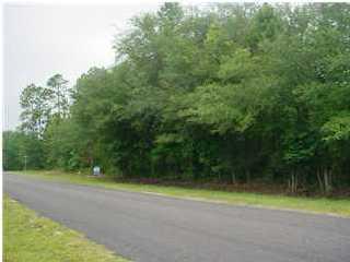 943  Wesley Grove Road Round O, SC 29474