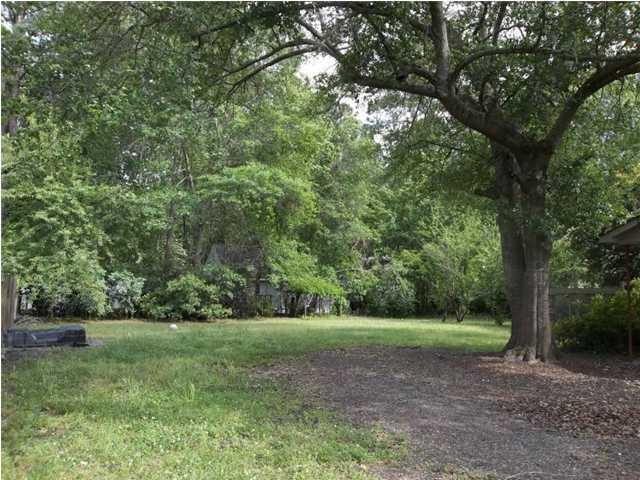 213  Pinewood Drive Summerville, SC 29485