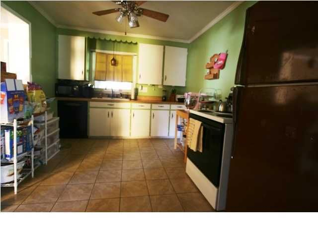 1324  Jeffords Street James Island, SC 29412