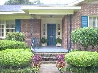 957  Lakeview Drive Mount Pleasant, SC 29464
