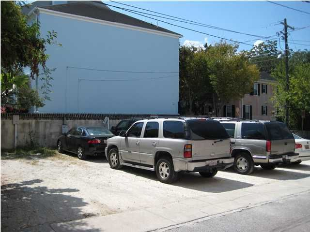 17  Princess Street Charleston, SC 29401