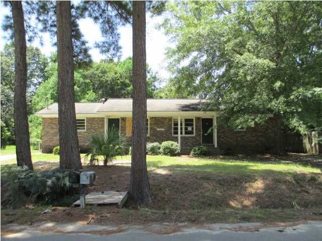7609 E Oakridge Circle North Charleston, SC 29418