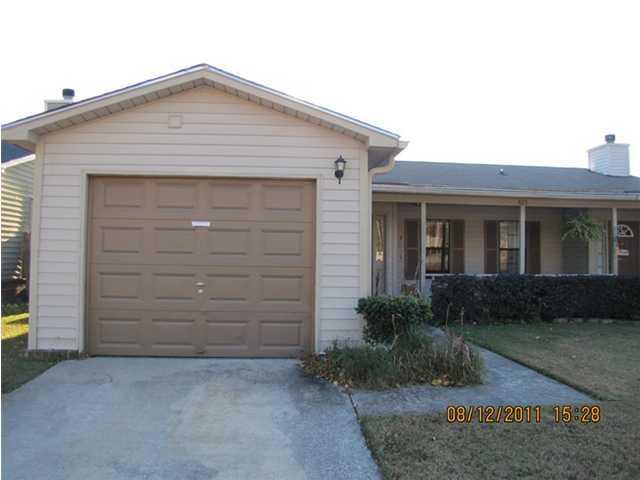 825  Winthrop Street Ladson, SC 29456