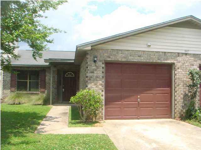 807  Winthrop Street Ladson, SC 29456