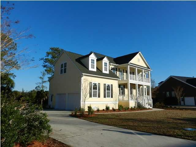 322  Oak Point Landing Drive Mount Pleasant, SC 29464
