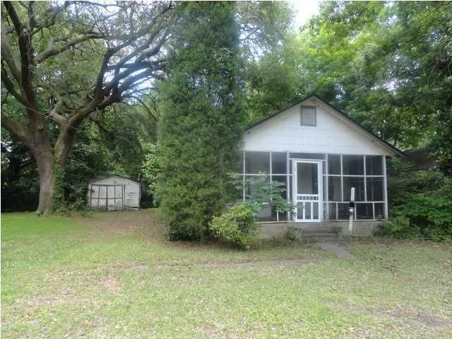 1975  Macon Avenue North Charleston, SC 29405