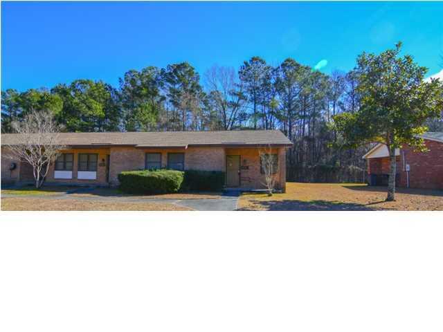 2731  Oak Leaf Drive North Charleston, SC 29420
