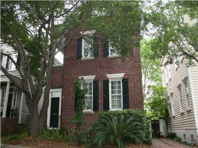 11  Wraggborough Lane Charleston, SC 29403