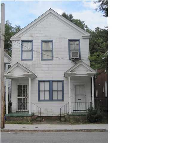 27  Cleveland Street Charleston, SC 29403