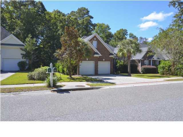 8601  Woodland Walk North Charleston, SC 29420