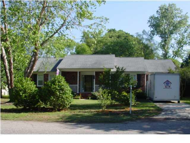 312  Quince Street Mount Pleasant, SC 29464