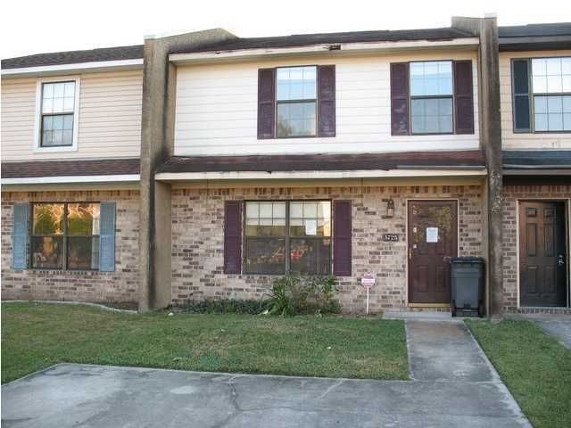 5725  Dewsbury Lane North Charleston, SC 29418