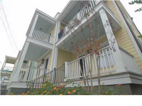 106  Spring Street Charleston, SC 29403