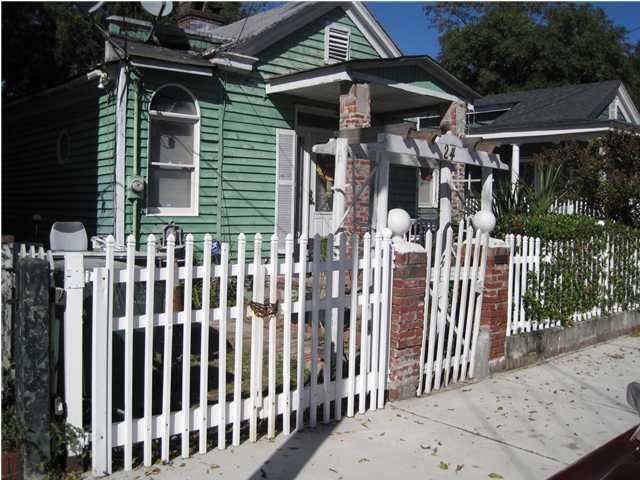24  Cleveland Street Charleston, SC 29403