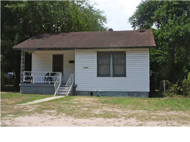 2708 E Surrey Drive North Charleston, SC 29405