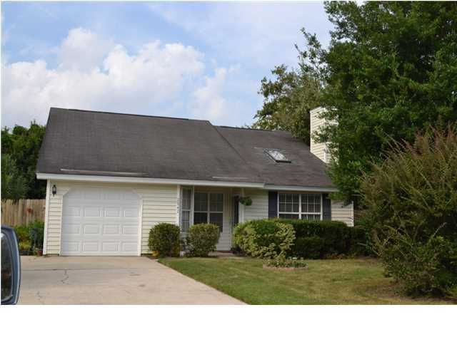 2042  Pinecone Court Mount Pleasant, SC 29466