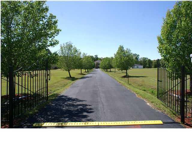 1125  Barnyard Road Bonneau, SC 29431