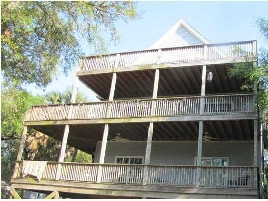 520 E Hudson Avenue Folly Beach, SC 29439