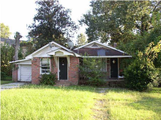 1249  Sumner Avenue North Charleston, SC 29406