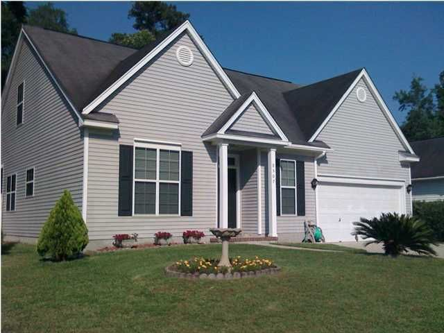 8507  Falling Leaf Lane North Charleston, SC 29420