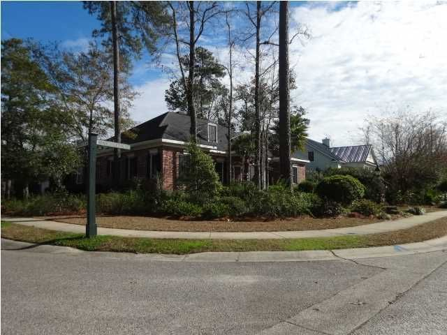 3447  Henrietta Hartford Road Mount Pleasant, SC 29466