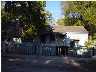 3346  Ottawa Avenue North Charleston, SC 29406
