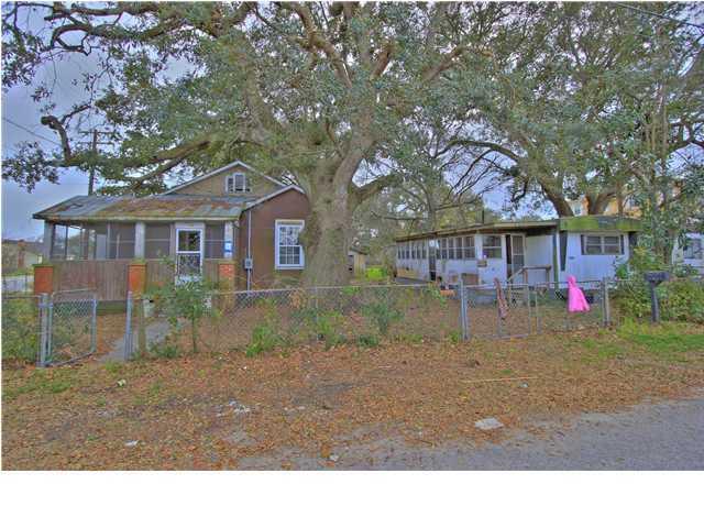 1049  Bexley Street North Charleston, SC 29405