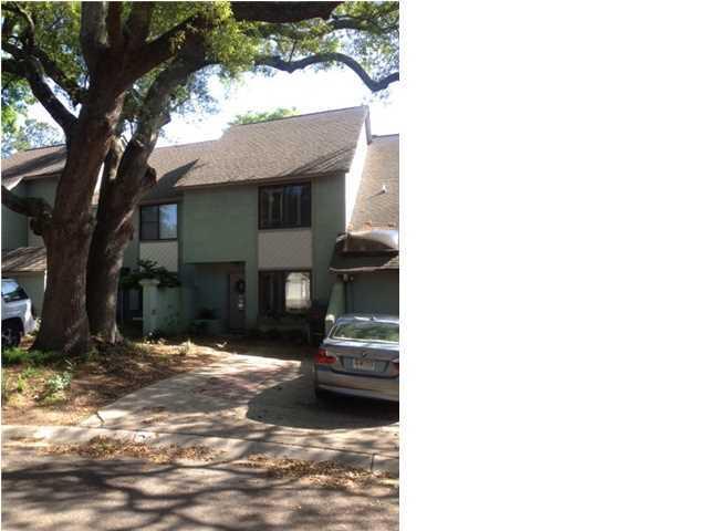 320  Lapwing Lane Mount Pleasant, SC 29464
