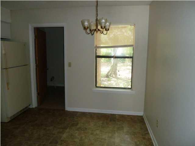 136  Susan Drive Summerville, SC 29485