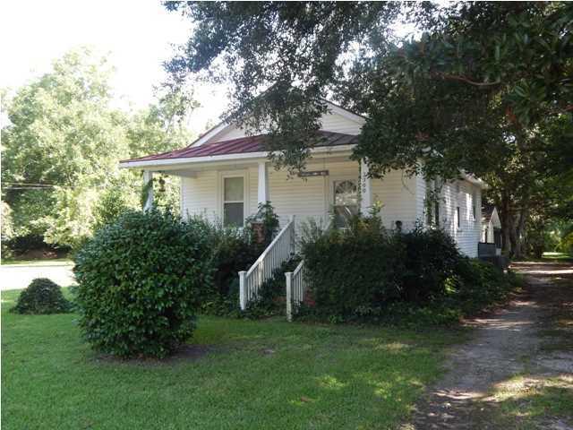 2200  Oakland Road Charleston, SC 29414